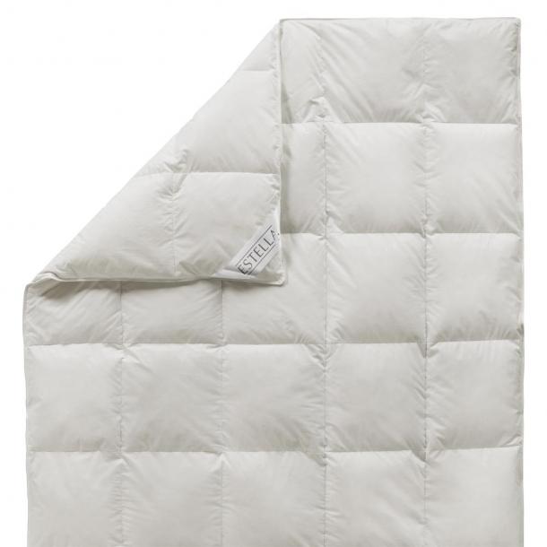 bettdecke vier jahreszeiten kuschel schlaf 365 tage estella. Black Bedroom Furniture Sets. Home Design Ideas