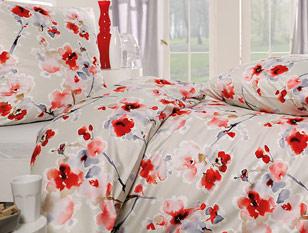Bettwäsche mit Blumenmuster